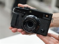 CP+ 2016: Fujifilm gets new X-Pro2 and X70 into photographers' hands