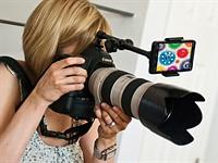Look Lock smartphone holder for DSLRs keeps subjects focused