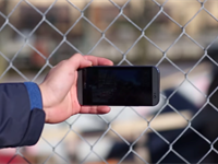 Google and MIT team up on clever method to remove reflections and obstructions from photos