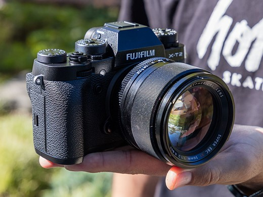 Faster flagship: Hands-on with the Fujifilm X-T2 2