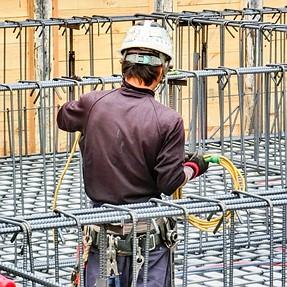ZR800: men at work
