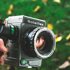 -SOLD- Rollei 6003 SRC 1000 + Rollei Planar 80mm 2.8 + Accessories