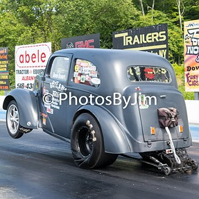 Sorry but more drag racing photos for the motorheads. LOL
