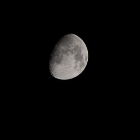 First attempt - Moon picture with A6000 + 55-210mm