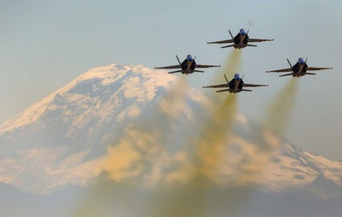 The U.S. Navy's Blue Angels with Mount Rainier. Photo by Joshua Trujillo for SeattlePI.com