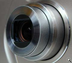 Canon S20 lens close-up (click for larger image)